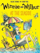 Winnie and Wilbur: At the Seaside (Paperback)